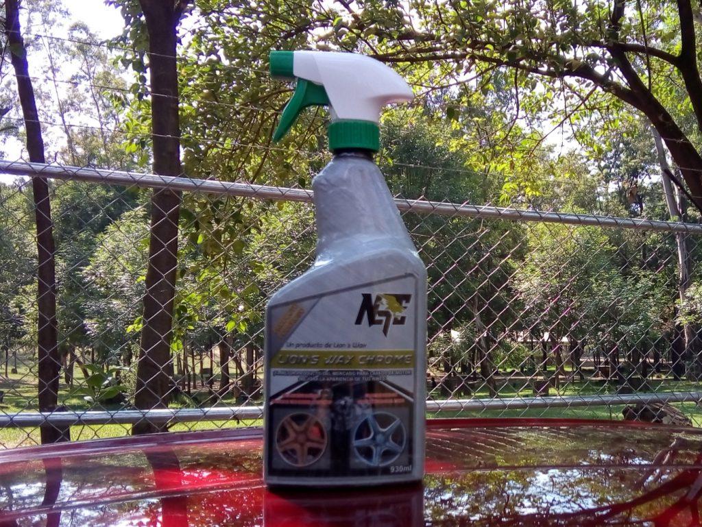 Lions Wax Chrome limpiador de rines y motor. Limpieza profesional calidad internacional